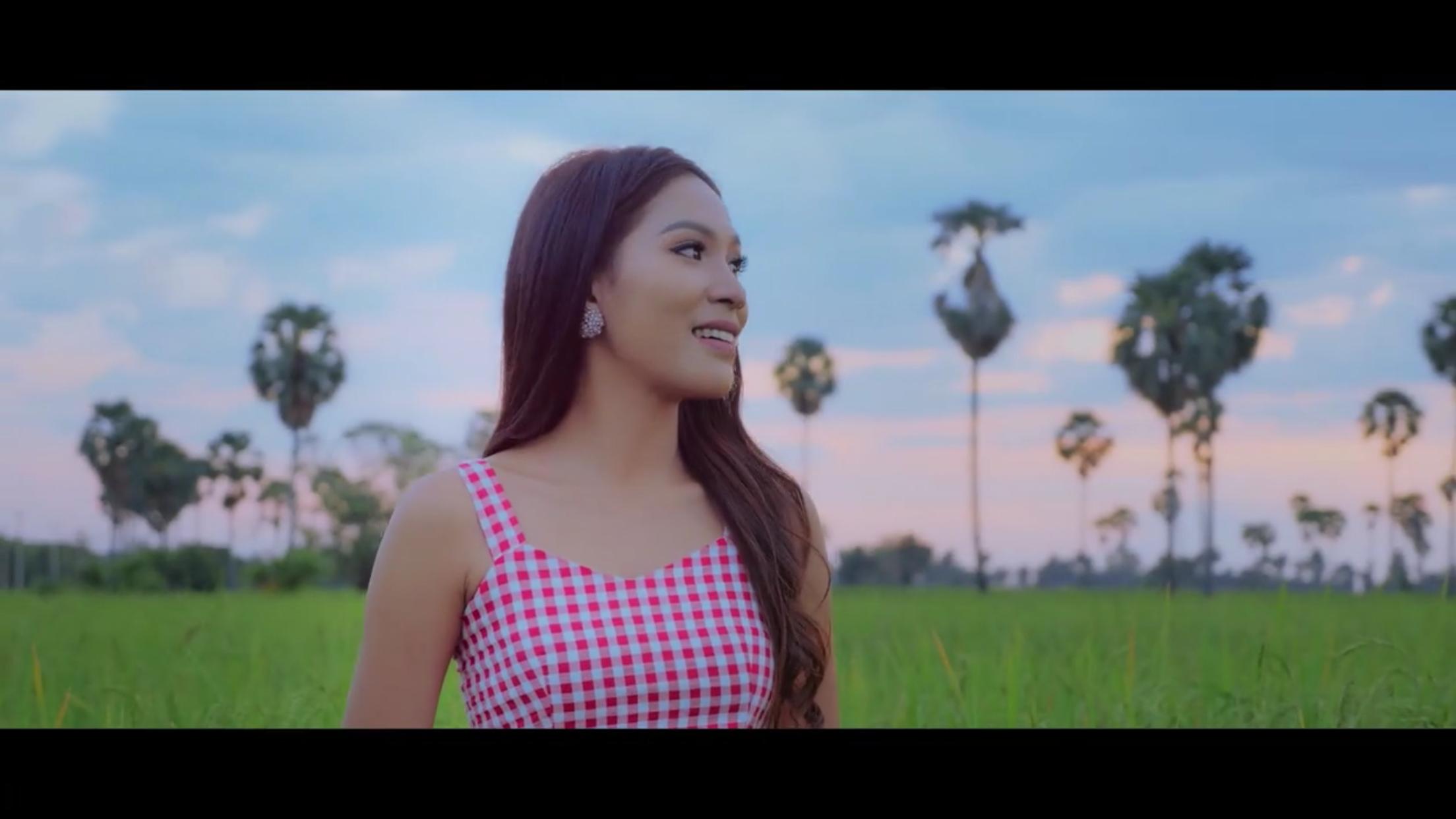 Cambodia's Wonderland 00996