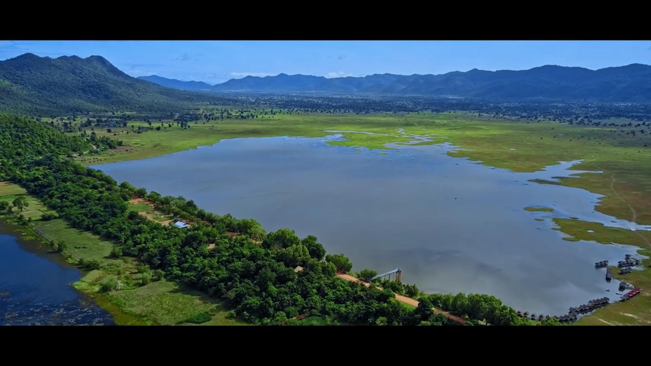 Cambodia's Wonderland 00997